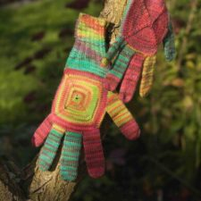 Colorful gloves with spiral panel