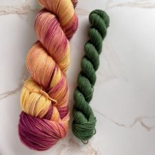 Skein in yellow and russet, with leaf-green mini for heels and toes